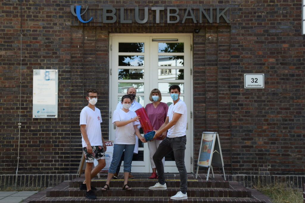 Medisspendenblut: Pokalübergabe im August